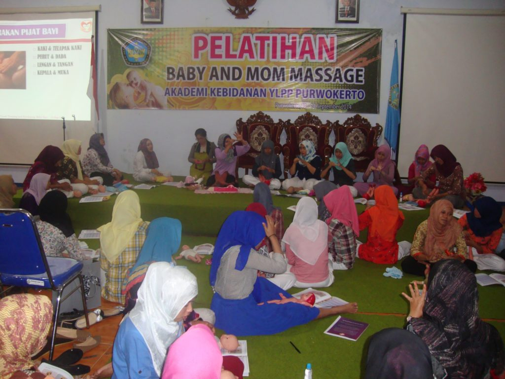 Pelatihan baby and moms massage 2